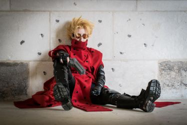 Vash the Stampede-Trigun cosplay by PyodeKantra