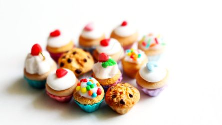 Polymer Clay Cupcakes by Pinkanea