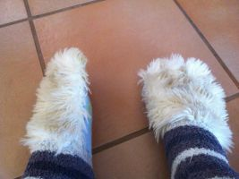 Furry Toe socks by Axelvolf