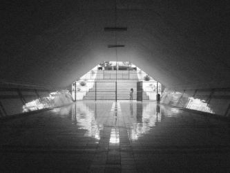 Terowongan - 'The Tunnel' bw by lesschaotic