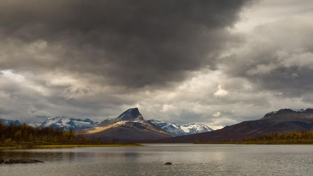 Dark clouds above Paras by koposs