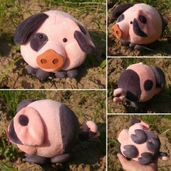 Round critters - Puffy cheeked pig by demiveemon