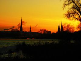 silhouette of Hamburg in sunse by rockmylife