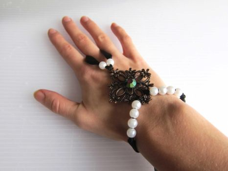 Hand Jewelry by feeora