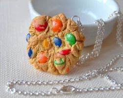 Smarties Cookie Necklace by Madizzo