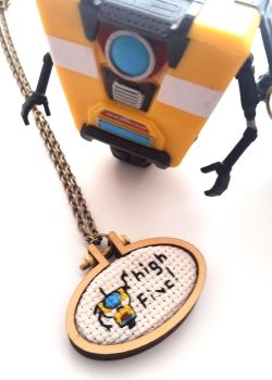 CL4P-TP high five necklace by AndyGlamasaurus