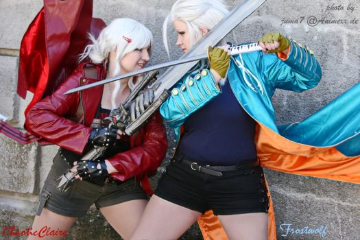 TWINS : Devil May Cry 3 Cosplay by ChaoticClaire