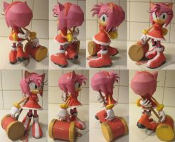 Amy Rose papercraft by minidelirium