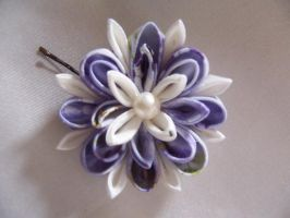 Kanzashi, wisteria pattern by Guip-in-a-Box