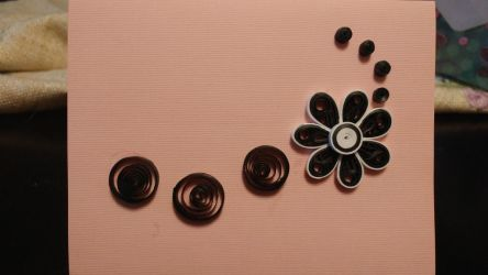 Black and white quilled flower by sillyfactoid