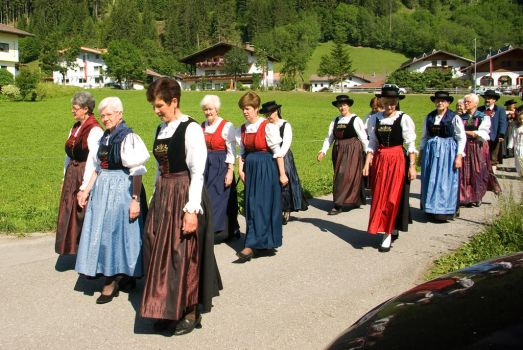 Women group in traditional dress by steppeland