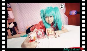 Hatsune Miku - Rolling In Action by itsmejunko