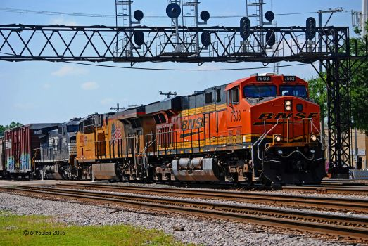 BNSF-UP-NS Tower B-12 FP 0130 6-10-16 by eyepilot13