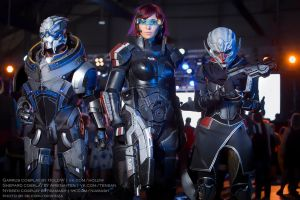 Mass Effect: Garrus, Shepard, Nyreen cosplay by HoldW