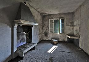 Abandoned farm - Fireplace and washbasin by ExaVolt