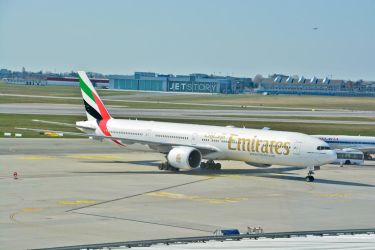 A6-EBV - Boeing 777-31H - Emirates by mysterious-one