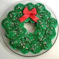 Christmas Wreath Cupcakes by InkArtWriter