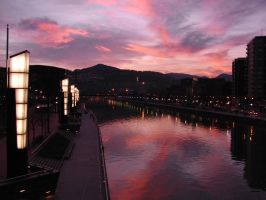 Bilbao river by moshymoshy