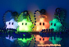*Glowing* Super Mario Inspired Star Necklaces by IvrinielsArtNCosplay