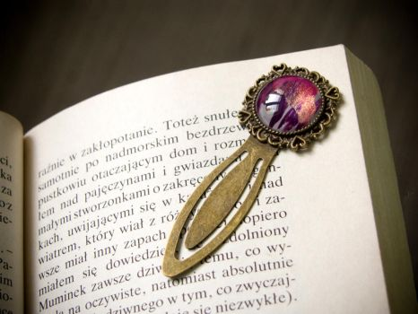 Metal bookmark with hand painted glass by OkeMani