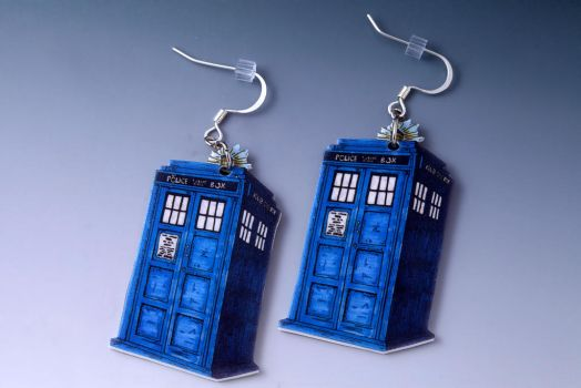 Tardis Earrings Doctor Who by LilithScream