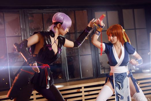Dead Or Alive 5 - Kasumi and Ayane Cosplay by Disharmonica