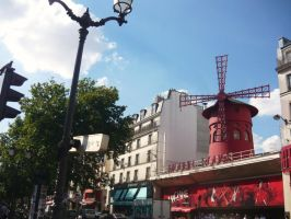 Moulin Rouge by Utopeless