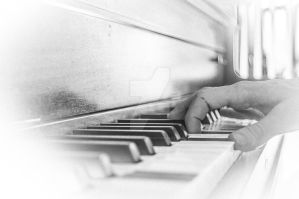 Piano Hands by TheBirdsFeathers
