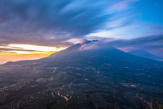 Mt. Merbabu 2 by eduardj