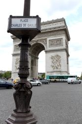 Place Charles de Gaulle by WeirdoCate