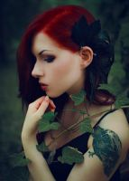 Redhead and ivy by Econita