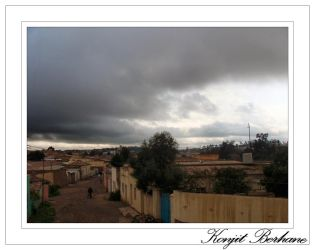 dark clouds hoverin Asmara by konjit