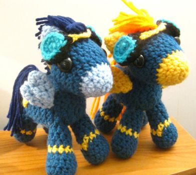 The Wonderbolts - Soarin' and Spitfire Plushies by kaerfel