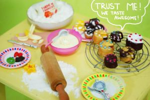 C'mon! Let's eat some delicious cake! by Miema-Dollhouse