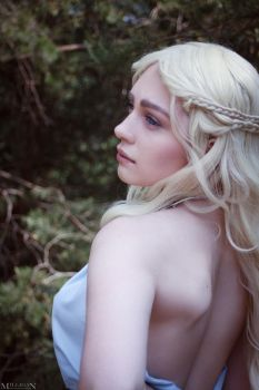 Game of Thrones - Daenerys by MilliganVick