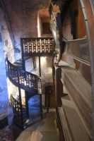 Spiral staircase - Schloss Heidelberg by wildplaces