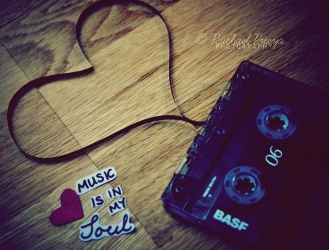i heart music. by this-is-the-life2905