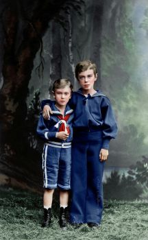 Nicholas with his brother Georgiy by VelkokneznaMaria