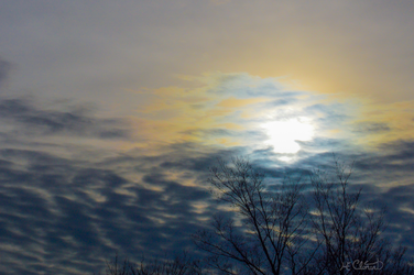 Cloudy sun rising by Spid4