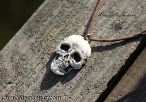 Skull Pendant from polymer clay by Krinna