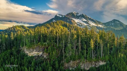 Round Mountain by PNWDronetography