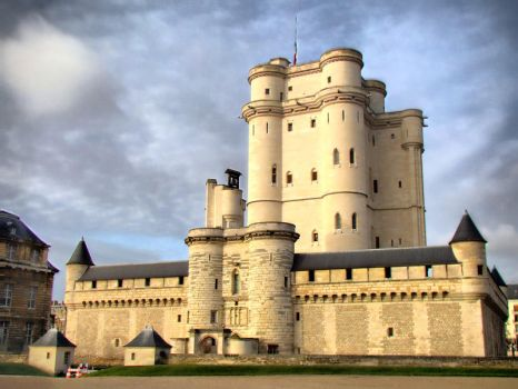 Chateau de Vincennes, Paris by semeniuc
