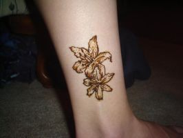 Henna Lilies by Sesshie32