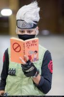 Kakashi Hatake Reading (Cosplay) by NicholiDeSchidor