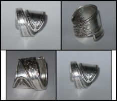 Spoon Ring by MelonieMac