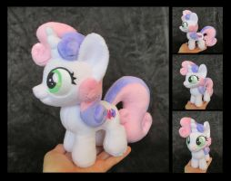 #014 - Sweetie Belle by fireflytwinkletoes