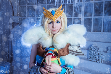 Crystal Maiden - Tundra Warden set cosplay by amio-mio