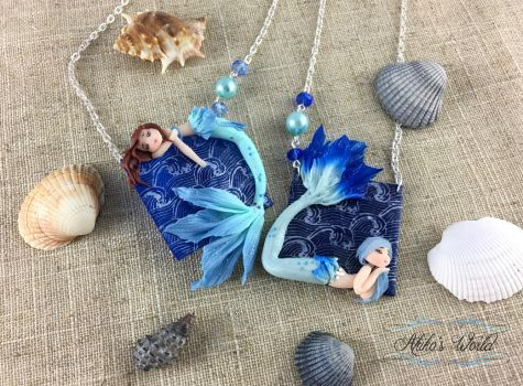 Blue mermaids and their ocean frames - Necklaces by Akiko-s-World