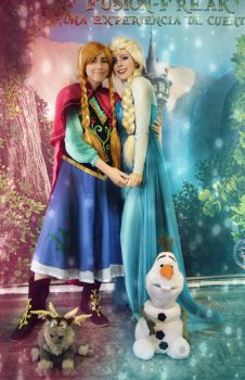 Life's too short! Elsa y anna cosplay Frozen by MissWeirdCat