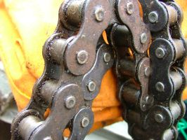 Chain... by amy-faerie